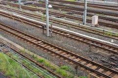 Voies de chemin de fer vides Vue de ci-avant Photos stock