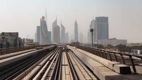 Voies de souterrain de métro aux Emirats Arabes Unis Photographie stock