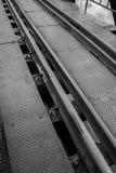 Voies de train sur le pont Photographie stock