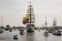 Voile dans le défilé Amsterdam 2015 le Guayas Images libres de droits