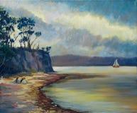 Voile tranquille des eaux avec la tempête de approche Photo libre de droits