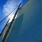 Voiles d'un voilier Photo libre de droits