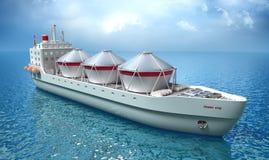Voiles de bateau de pétrolier à travers l'océan Photo stock
