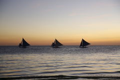 Voiles de coucher du soleil photo stock