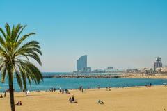 Voiles de plage et d'hôtel de Barceloneta photos libres de droits