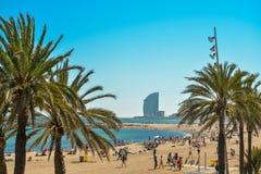 Voiles de plage et d'hôtel de Barceloneta photo stock