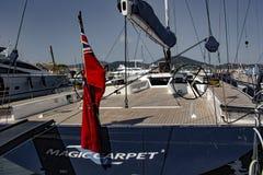 Voilier dans le port de Saint Tropez image stock
