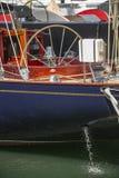 Voilier dans le port de Saint Tropez photographie stock libre de droits