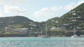 Voilier près de St Kitts banque de vidéos