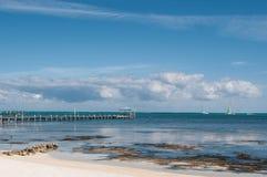 Voilier sur l'océan des Caraïbes Photo stock