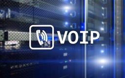 VOIP, voz sobre el protocolo IP, tecnología que permite la comunicación verbal vía Internet Fondo del sitio del servidor Fotos de archivo