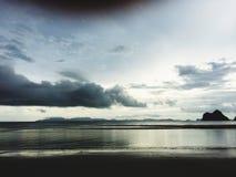 Voir le ciel de sable de mer Images libres de droits