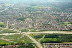 Voisinage et route résidentiels, antenne, Ontario Photos libres de droits
