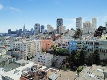 Voisinage russe et San Francisco du centre SK de colline de vue supérieure images stock