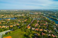 Voisinages résidentiels aériens de Weston Florida photo stock