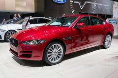 Voiture À ROUES MOTRICES de Jaguar XE 20d photos libres de droits