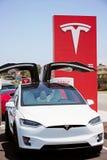 Voiture électrique du model X de Tesla Photographie stock libre de droits