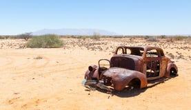 Voiture abandonnée dans le désert de Namib Photos libres de droits