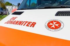 Voiture allemande d'ambulance de matrice Johanniter image stock