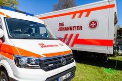 Voiture allemande d'ambulance de matrice Johanniter photo libre de droits