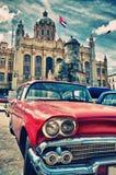 Voiture américaine classique de vintage dans une rue de vieille La Havane Image stock