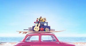 Voiture avec le bagage prêt pendant des vacances de voyage d'été photos libres de droits