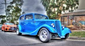 Voiture bleue de Ford de vintage Image libre de droits