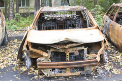 Voiture brûlée photographie stock