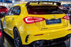 Voiture classe un de Mercedes-AMG A 35 4MATIC+ W177 produite par Mercedes Benz images libres de droits