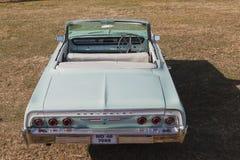 Voiture convertible classique de vintage de Chevrolet Photos stock