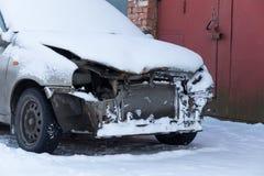 collision d 39 accident de voiture en hiver photo stock image du omnibus collision 39964342. Black Bedroom Furniture Sets. Home Design Ideas