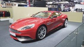 Voiture d'Aston Martin Vanquish sur l'affichage à la trente-cinquième expo internationale de moteur de la Thaïlande banque de vidéos