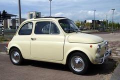 Voiture d'Italien de vintage de Fiat 500 Photographie stock