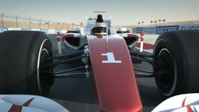 Voiture de course F1 sur le circuit de désert - avant de plan rapproché