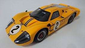 Voiture de course jaune de Ford Gt 40 Photos libres de droits