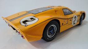 Voiture de course jaune de Ford Gt 40 Photo libre de droits