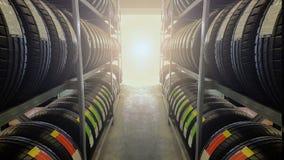 Voiture de distance avec des pneus image libre de droits
