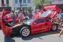 Voiture de Ferrari F40 sur l'affichage photos stock