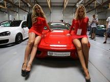 Voiture de Ferrari montrée à la 3ème édition de l'EXPOSITION de MOTO à Cracovie Photo libre de droits