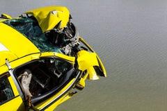 Voiture de flottement démolie Photographie stock libre de droits