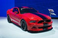 Voiture de Ford Mustang Nitto 420HP 5L V8 sur l'affichage au SH automatique de LA Photos libres de droits