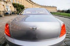 Voiture de limousine de Bentley Mulsanne avec des Bu de luxe en croissant royaux images libres de droits