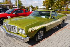 Voiture de luxe de cru, Ford Ranchero photo stock