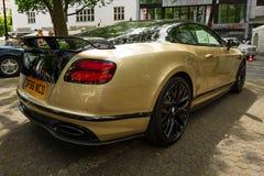Voiture de luxe personnelle Bentley Continental Supersports, 2017 blanc d'isolement de vue arrière Images stock