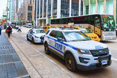 Voiture de police de New York dans le Times Square Capitale financière d'Ame photo libre de droits