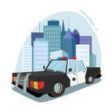 Voiture de police sur le fond de ville Image libre de droits