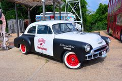 Voiture de police sur Route 66 comme il traverse le Missouri, Etats-Unis photographie stock libre de droits