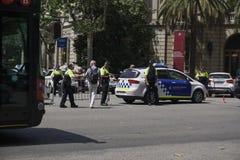 Voiture de pPolice de Barcelone, Espagne bloquant le trafic Images libres de droits