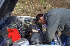 Voiture de réparation de mécanicien photo libre de droits