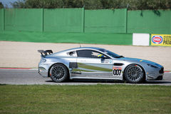 VOITURE de RACE d'Aston Martin Vantage GT4 Images libres de droits